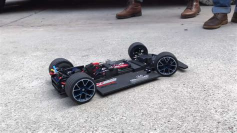 I wanted to see how this huge car performs with 2 l motors, a. RC Lego Bugatti Chiron - 3722877