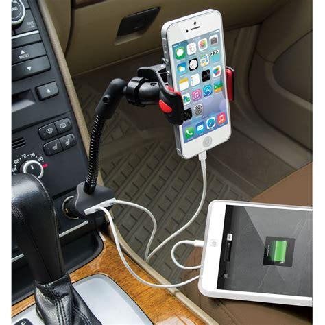 iphone car mount the dual iphone charging car mount hammacher schlemmer