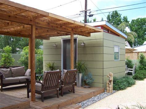 Backyard Outbuildings - 10x12 backyard office with trelis westcoast outbuildings