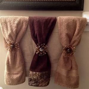 Decorative bathroom towels best home ideas for Decorating towels in bathroom