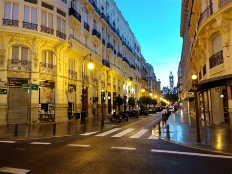 Where to Stay in Valencia? (Spain Guide) - Check in Price