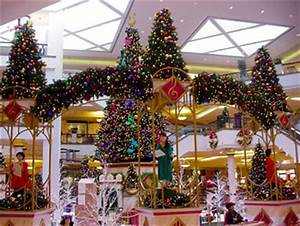 Commercial Christmas Trees & Decor with Mosca Design