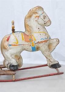 Cheval A Bascule : cheval bascule en m tal objet de d coration vintage et ancien ~ Teatrodelosmanantiales.com Idées de Décoration