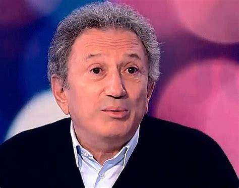 Michel drucker was born in vire, calvados, in normandy. Michel Drucker : Tenté par L'exil ! - France Dimanche