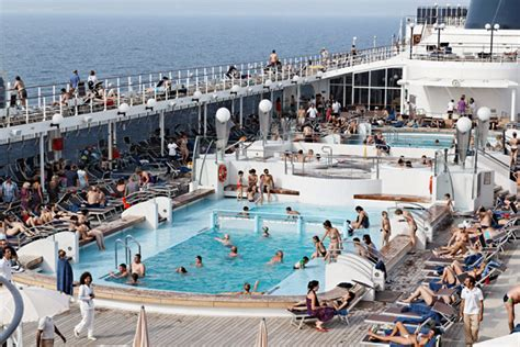 pool msc lirica kreuzfahrtschiff bilder