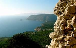 Красивый вид со скалы