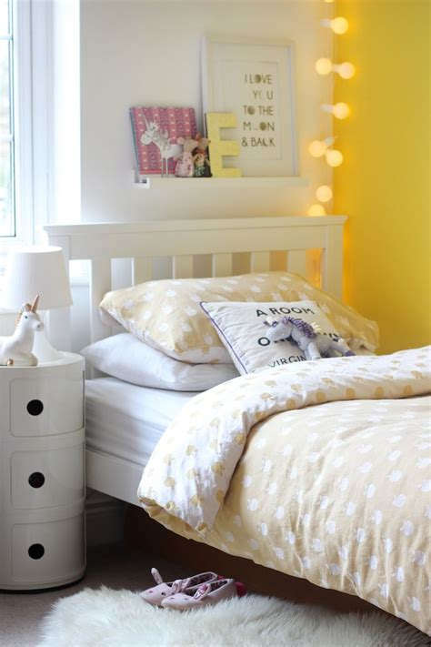 Decorating Ideas For Yellow Bedrooms by 15 Happy Yellow Bedrooms That Will Inspire You