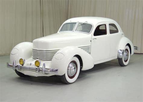 Cord 812 Sedan (1937) Photo Gallery