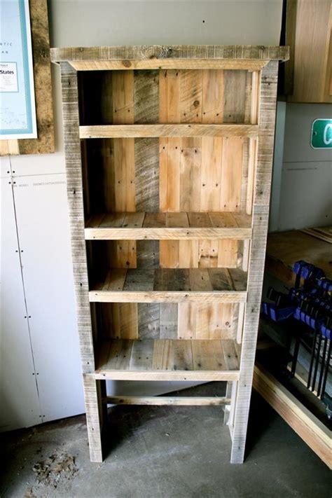 diy pallet bookshelf diy recycled pallet bookcase pallet furniture plans