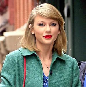 Taylor Swift celebrity looks and style. Must see!