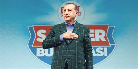Après l'annonce par wikileaks de la diffusion de près de 300 000 mails compromettants pour le parti au pouvoir, l'akp, parti de la justice et du développement, le gouvernement turc a décidé de bloquer l'accès au site. Référendum en Turquie : Erdogan joue son va-tout