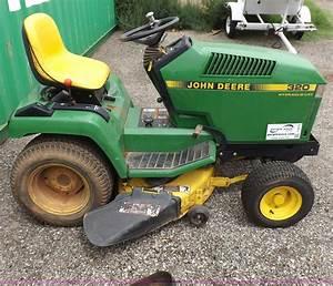 John Deere 320 Lawn Mower