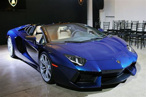 lamborghini aventador a roadster 169 automotiveblogz ciao bella lamborghini s aventador roadster looks smoking hot in la