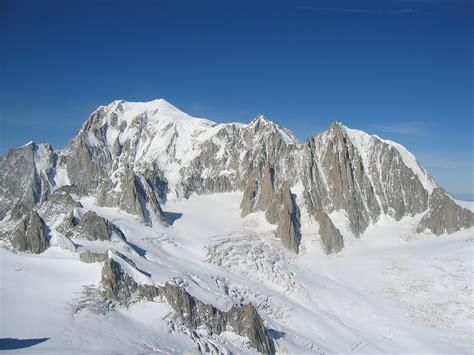 du mont blanc file mont blanc mont maudit mont blanc du tacul jpg wikimedia commons