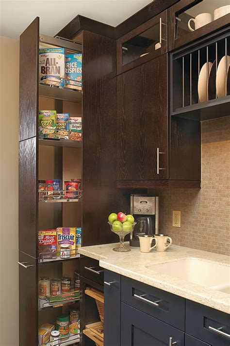 dispensa pantry cabinet kitchen craft cabinetry