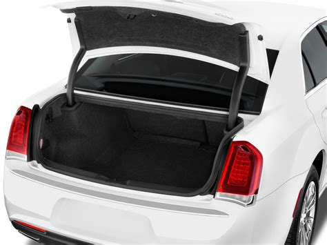 image  chrysler  limited rwd trunk size
