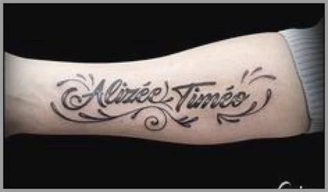 tatouage prenom  date de naissance homme