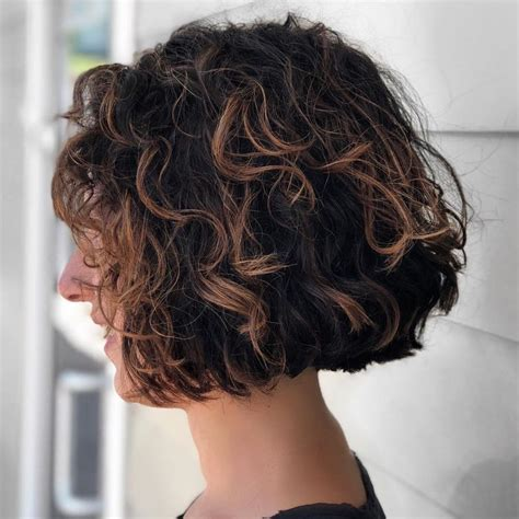 65 Different Versions of Curly Bob Hairstyle in 2020