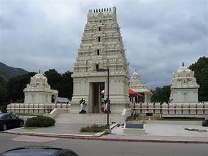 File:Malibu Hindu Temple 10 jpg - Wikimedia Commons