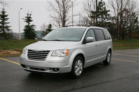 2010 Town And Country Review by Day By Day Review 2010 Chrysler Town Country Autos Ca