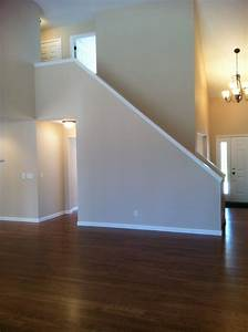 Staircase! Spindle vs halfwall???