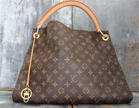 louis vuitton monogram canvas artsy mm shoulder bag  louis vuitton handbags outlet