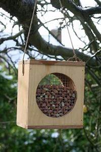 1000+ images about DIY Bird Feeders on Pinterest Wooden