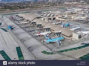 Airplanes sit at Tom Bradley International Terminal at Los ...