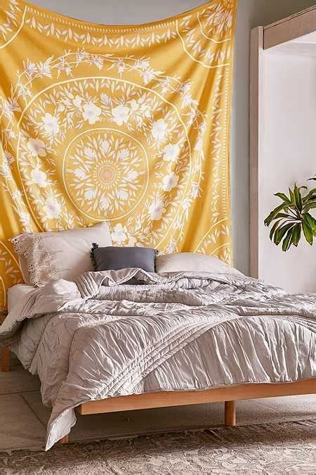 Bedroom Ceiling Tapestry by 25 Best Ideas About Tapestry Bedroom On