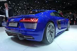 Audi R8 Motor : 2015 geneva motor show audi r8 v10 e tron and lms ~ Kayakingforconservation.com Haus und Dekorationen