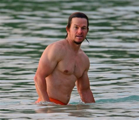 mark wahlberg sexy 5 sexy pics of mark wahlberg going for a sunset swim