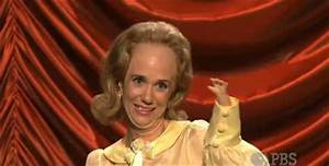 Talk about uncontrollable laughter! :D Kristen Wiig on The ...