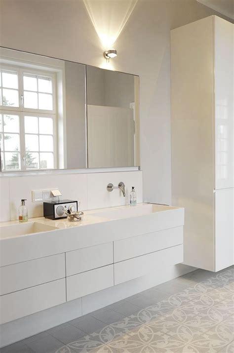 Ist Grau Eine Farbe by Graue Fliesen F 252 Rs Badezimmer Grau Ist Eine Moderne Und