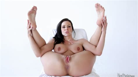 Bosomy Milf Kendra Lust Will Bead Her Pussy On The Rod Until It Explodes With Semen