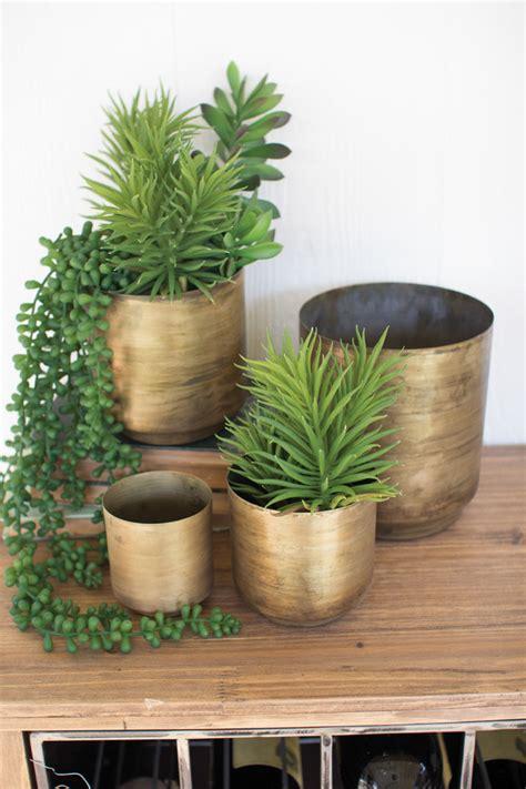 Metal Flower Pots by Set Of 4 Aged Brass Metal Flower Pots