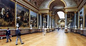 World Visits: Louvre Museum Central Landmark Of France and ...