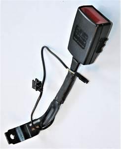 Used Genuine Vw Golf Front Passengers Black Seat Belt