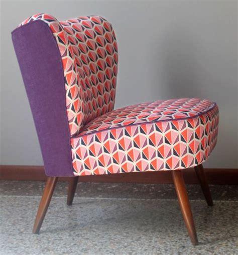 tissu d ameublement pour canapé pas cher les 25 meilleures idées concernant chaise violet sur
