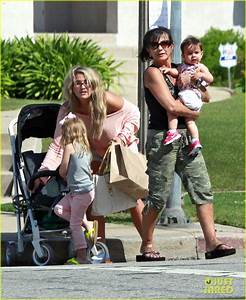Jamie Lynn Spears: Sunday Family Outing!: Photo 2659073 ...
