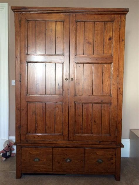 Large Wardrobe by Coast Collection Large Wardrobe Excellent Condition