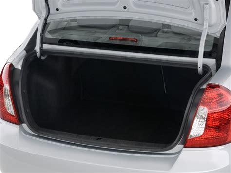 image  hyundai accent  door sedan auto gls trunk