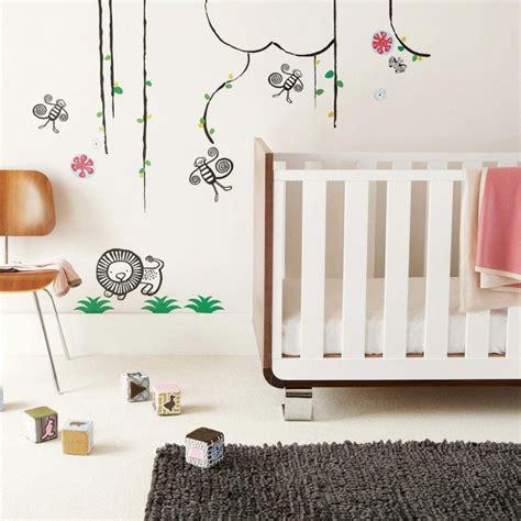chambre bébé décoration murale stickers chambre bébé fille pour une déco murale originale