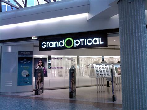 siege grand optical grand optical signe avec la chose