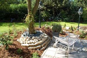 Gartengestaltung Mit Naturstein Mauern Wasserläufe Und Terrassen : terrasse romantischer garten traumgarten ~ Orissabook.com Haus und Dekorationen