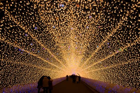 Tunnel Of Light one of japan s best winter illuminations at nabana no sato