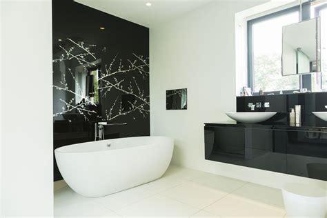 beautiful black bathrooms