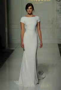 sheath wedding dresses de 20 bästa idéerna om sheath wedding dresses på bröllopsklänningar i chiffong