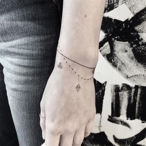 tatouages bracelets archives tattoo news