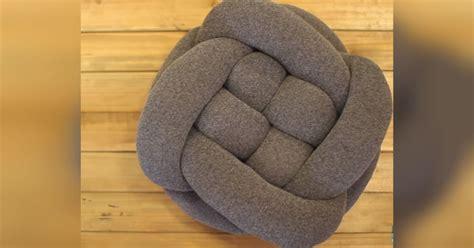 diy knot throw pillow  simply   tights  pillow