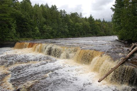 tahquamenon falls cabins photo gallery friday tahquamenon falls state park
